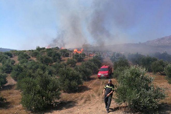 Μαίνονται οι φωτιές σε Κάρυστο και Χανιά - Νέο μέτωπο στον Μυλοπόταμο