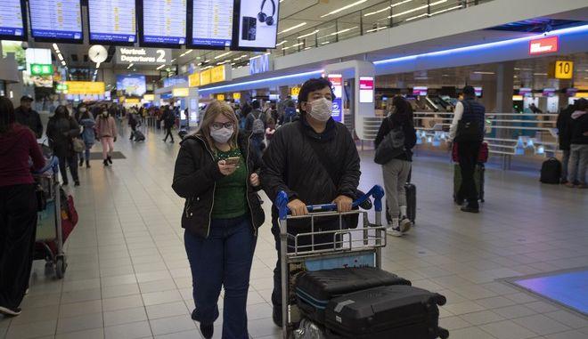 Η ολλανδική κυβέρνηση ανακοίνωσε την Τετάρτη ότι θα χαλαρώσει από τις 15 Ιουνίου τις προειδοποιήσεις για τα τουριστικά ταξίδια