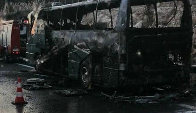 Το λεωφορείο του ΚΤΕΛ που πήρε φωτιά