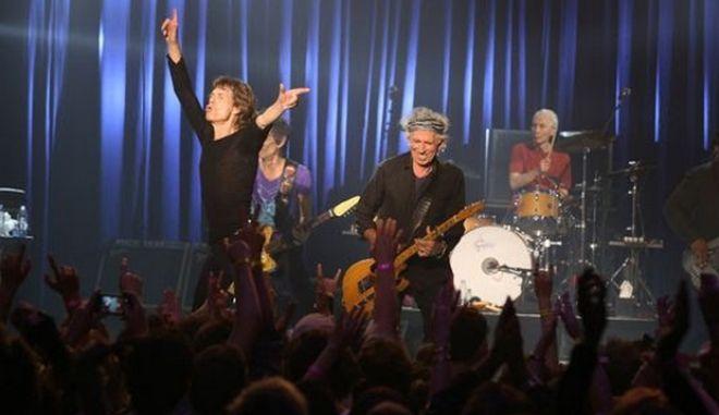 44 χρόνια μετά, Sticky Fingers, το άλμπουμ με το φερμουάρ κυκλοφορεί ξανά