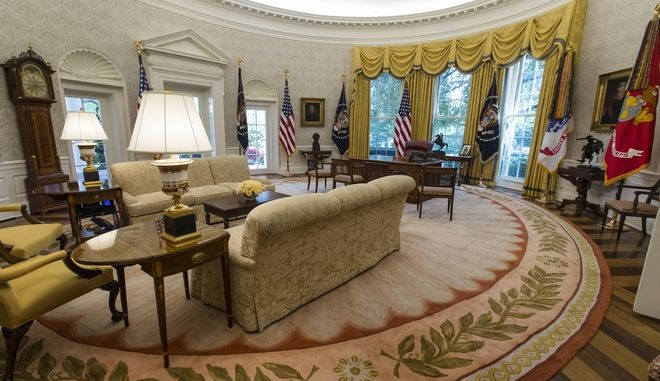 The newly renovated Oval Office of the White House in Washington, Tuesday, Aug. 22, 2017, during a media tour. (AP Photo/Carolyn Kaster)