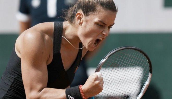 """Έγραψε ιστορία η Σάκκαρη - Προκρίθηκε στους """"8"""" του Roland Garros"""