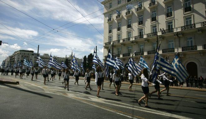 Τ. Κουράκης: O ΣΥΡΙΖΑ θα καταργήσει τις παρελάσεις όταν γίνει κυβέρνηση