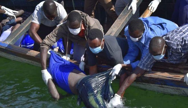 Πολύνεκρο ναυάγιο φεριμπότ στην Τανζανία