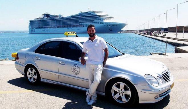 Οδηγός ταξί έσωσε από πνιγμό τουρίστρια ΑμεΑ στο Κατάκολο