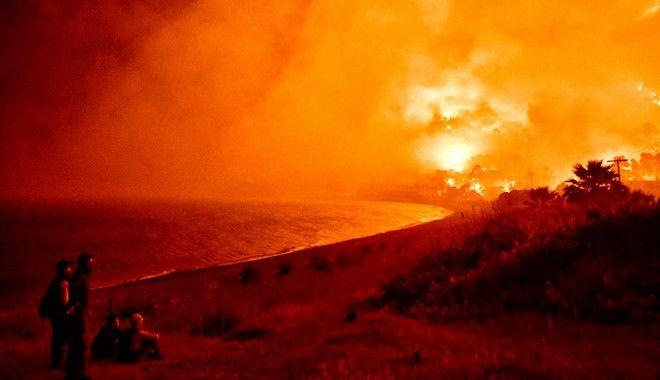 Φωτιά στο Σχίνο Λουτρακίου