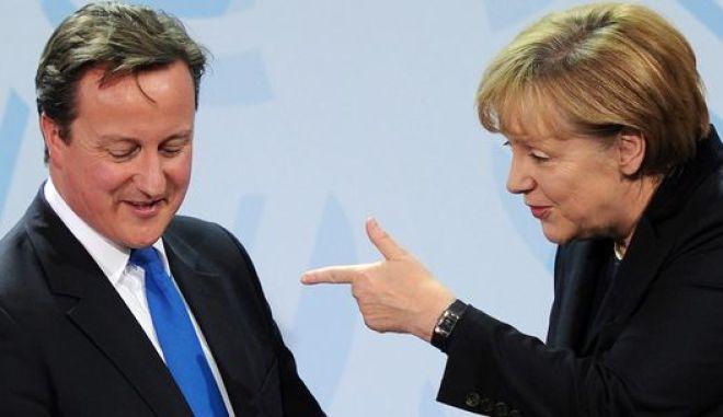 Ευρωπαϊκή υποταγή σε Μέρκελ και Σαρκοζί