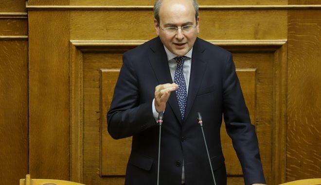 Συνεχίζεται για τέταρτη ημέρα η συνεδρίαση της ολομέλειας στη Βουλή, για τον κρατικο προϋπολογισμό