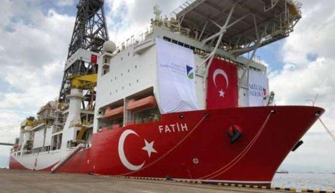 Το τουρκικό γεωτρύπανο φτάνει στην Κύπρο: Οι προβληματισμοί και οι κινήσεις Αθήνας-Λευκωσίας