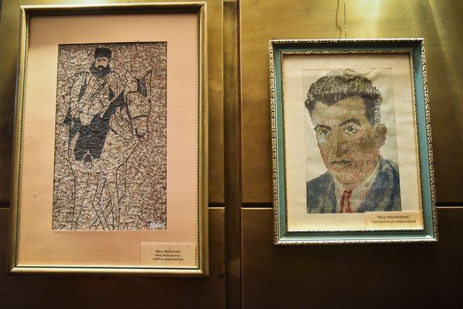 Πίνακας του Μίμη Φωτόπουλου από γραμματόσημα και ανώνυμου αγωνιστή από πλήκτρα γραφομηχανής
