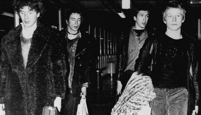 Sex Pistols: Σε νομική διαμάχη, με τους Jones και Cook να μηνύουν τον Johnny Rotten
