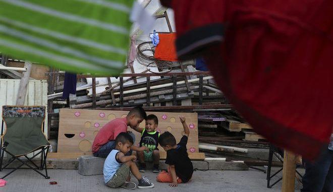 Παιδιά μεταναστών σε δομή στο Μεξικό τον Ιούλιο του 2019