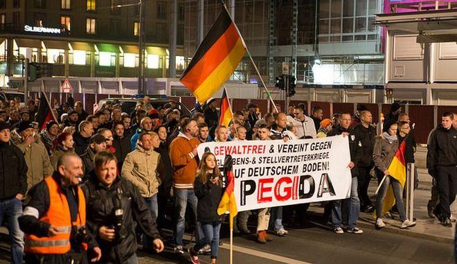 Αντιμέτωπος με κατηγορίες υποκίνησης φυλετικού μίσους ο ηγέτης του Pegida