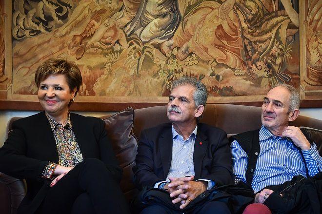 Στιγμιότυπο από την παρουσίαση του βιβλίου του δημοσιογράφου Γιώργου Λακόπουλου. Αριστερά η υπουργός Προστασίας του Πολίτη κ. Όλγα Γεροβασίλη.