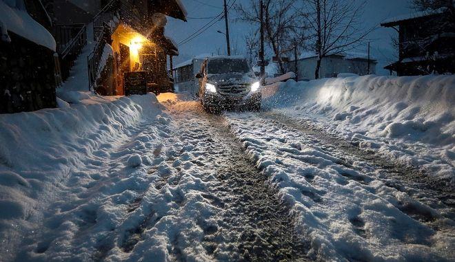 Χιονόπτωση στην Σαμαρίνα Γρεβενών.
