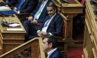 Ο Κυριάκος Μητσοτάκης και ο Αλέξης Τσίπρας στη Βουλή