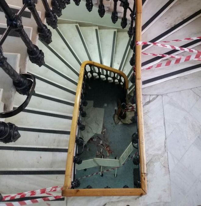 Βίντεο-φωτογραφίες: Το σημείο απ' όπου έπεσε στο κενό γιατρός  στο Ελπίς