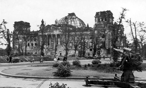 Μηχανή του χρόνου: O εμπρησμός του Ράιχσταγκ