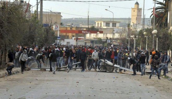 Νέες αντικυβερνητικές διαδηλώσεις στη Τυνησία