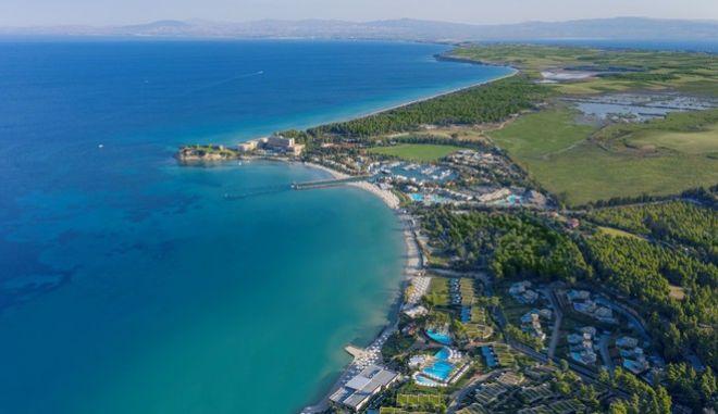 Sani Resort: Το πρώτο ελληνικό resort με μηδενικό αποτύπωμα άνθρακα