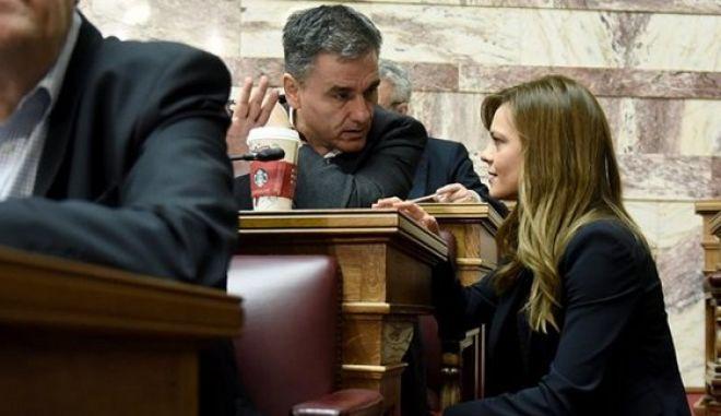 Υπουργοί προς βουλευτές ΣΥΡΙΖΑ: Πρώτο νομοσχέδιο μετά από χρόνια με περισσότερες θετικές από αρνητικές ρυθμίσεις