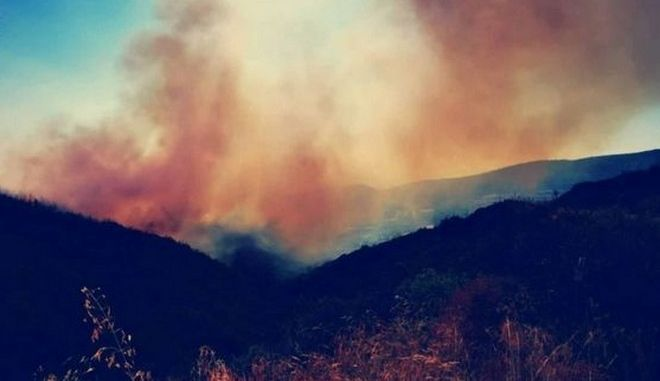 Σε ύφεση η μεγάλη φωτιά στην Αργολίδα