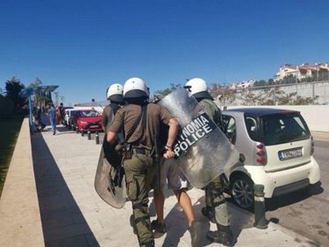 Μαθητικό συλλαλητήριο: Επεισόδια έξω από το υπουργείο Παιδείας