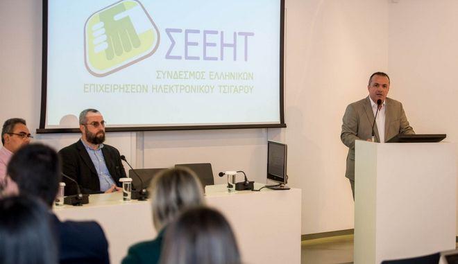 Ο Σύνδεσμος Ελληνικών Επιχειρήσεων Ηλεκτρονικού Τσιγάρου για το άτμισμα