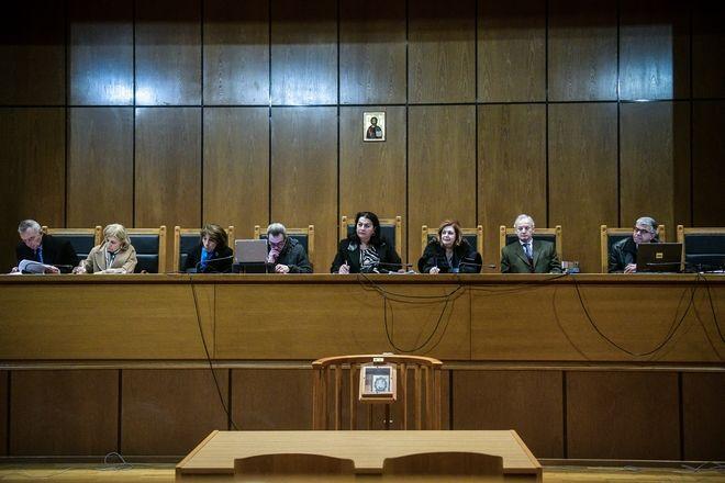 Χρονικό 5,5 χρόνων ακροαματικής διαδικασίας στην Δίκη της Χρυσής Αυγής.Η σύνθεση της έδρας , Δευτέρα 5 Οκτωβρίου 2020