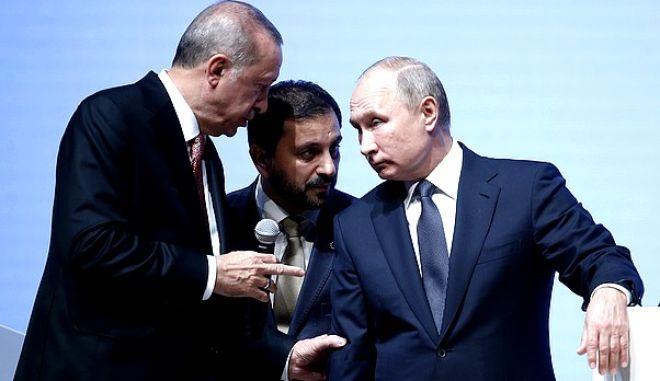 O Bλάντιμιρ Πούτιν με τον Ταγίπ Ερντογάν