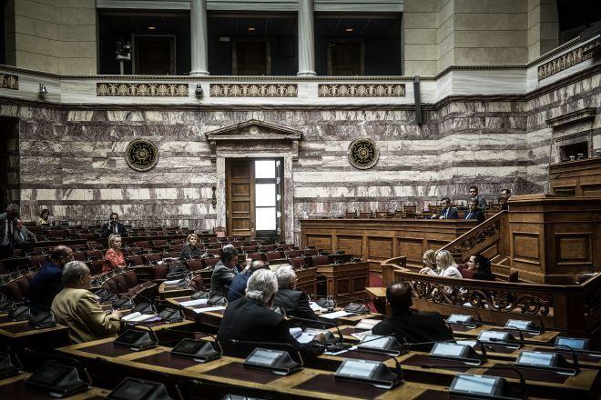 Νομοσχέδιο για διαδηλώσεις: Μη διαπραγματεύσιμη η ψήφιση του για την κυβέρνηση