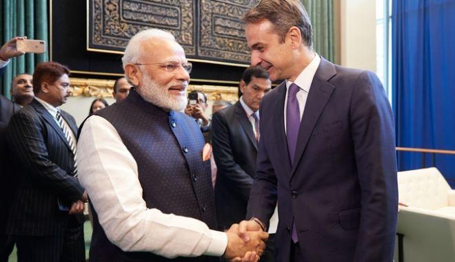 O Κυριάκος Μητσοτάκης με τον Ινδό Πρωθυπουργό