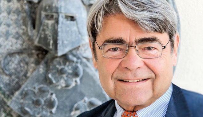 Frankfurter Gesellschaft: Ο επόμενος γερμανός υπ. Οικονομικών θα πρέπει να μιλάει απταίστως ελληνικά