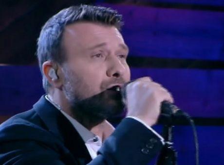 b3a6769e7f Ο Γιάννης Πλούταρχος παρουσίασε τα νέα του τραγούδια στον Λαζόπουλο - Δείτε  τα