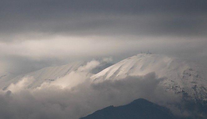 Χιονισμένα βουνά στα Τρίκαλα