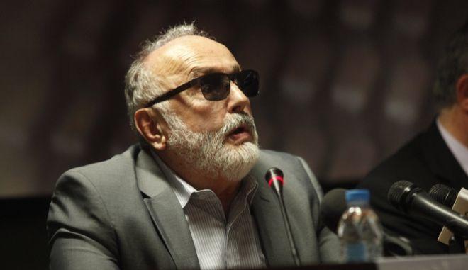 «Η μεταρρύθμιση του εκλογικού συστήματος», είναι το θέμα της δημόσιας συζήτησης  διοργανωσε το Κέντρο Ευρωπαϊκού Συνταγματικού Δικαίου β Ίδρυμα Θεμιστοκλή και Δημήτρη Τσάτσου, στην ΕΣΗΕΑ. Εισηγητής  είναι ο υπουργός Εσωτερικών και Διοικητικής Ανασυγκρότησης, Παναγιώτης Κουρουμπλής. Παρεμβάσεις β σχολιασμός από τους: Χαράλαμπο Ανθόπουλο (αναπληρωτής καθηγητής στο Ελληνικό Ανοικτό Πανεπιστήμιο), Παναγιώτης Καρκατσούλης, (γραμματέας Κ.Ο. του «Ποταμιού») και Ηλία Νικολακόπουλο (ομότιμος καθηγητής Πανεπιστημίου Αθηνών). Τη συζήτηση θα συντονίσει ο καθηγητής και πρόεδρος του Κέντρου Ευρωπαϊκού Συνταγματικού Δικαίου, Ξενοφών Κοντιάδης--ΣΤΗ ΦΩΤΟ (απο αριστερα) ΧΑΡΑΛΑΜΠΟΣ ΑΝΘΟΠΟΥΛΟΣ-ΞΕΝΟΦΩΝ ΚΟΝΤΙΑΔΗΣ ΠΑΝΑΓΙΩΤΗΣ ΚΟΥΡΟΥΜΠΛΗΣ -ΠΑΝΑΓΙΩΤΗΣ ΚΑΡΚΑΤΣΟΥΛΗΣ-ΗΛΙΑΣ ΝΙΚΟΛΑΚΟΠΟΥΛΟΣ--ΦΩΤΟ ΧΡΗΣΤΟΣ ΜΠΟΝΗΣ//EUROKINISSI