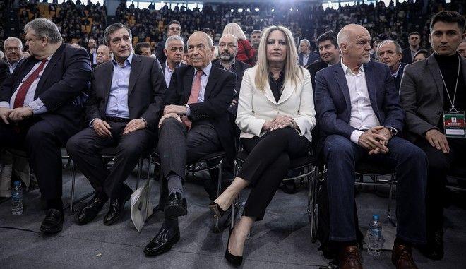 Η Φώφη Γεννηματά, ο Ευάγγελος Βενιζέλος, ο Κώστας Σημίτης και ο Γιώργος Παπανδρέου στο 2ο συνέδριο του ΚΙΝΑΛ