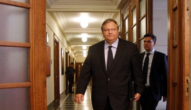 Ο τότε υπουργός Οικονομικών Ευάγγελος Βενιζέλος στο υπουργικό συμβούλιο της 31ης Αυγούστου του 2011, μετά το όχι στην τρόικα, που μετά έγινε ναι