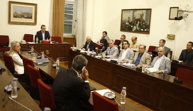 Συνεδρίσαη της Εξεταστικής Επιτροπής της Βουλής για τη διερεύνηση της νομιμότητας της δανειοδότησης των πολιτικών κομμάτων, καθώς και των ιδιοκτητριών εταιρειών μέσων μαζικής ενημέρωσης από τα τραπεζικά ιδρύματα της χώρας, την Τρίτη 27 Σεπτεμβρίου 2016. (EUROKINISSI/ΓΙΩΡΓΟΣ ΚΟΝΤΑΡΙΝΗΣ)
