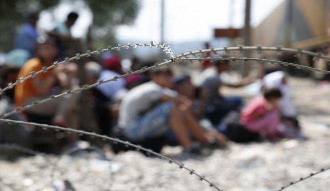 'Φρένο' από τον δήμο Χίου στην κυβέρνηση για το προσφυγικό