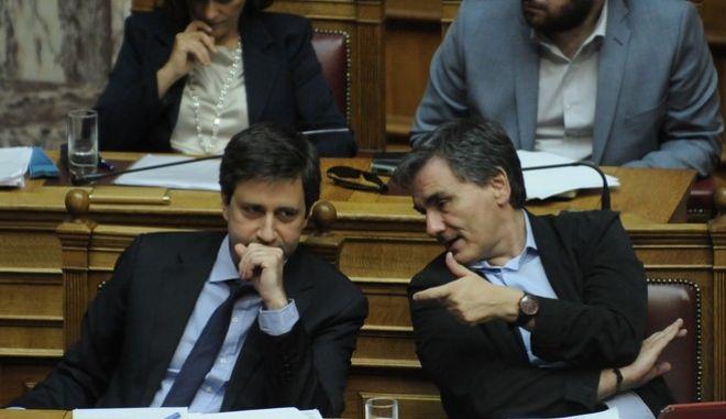 Συζήτηση  και λήψη απόφασης, στην Ολομέλεια της Βουλής, επί της προτάσεως που κατέθεσαν ο αρχηγός της Αξιωματικής Αντιπολίτευσης και Πρόεδρος της Κοινοβουλευτικής Ομάδας της ΝΕΑΣ ΔΗΜΟΚΡΑΤΙΑΣ Κυριάκος Μητσοτάκης  και οι βουλευτές του κόμματός του, για σύσταση Εξεταστικής Επιτροπής, σχετικά με τη διερεύνηση των αιτιών επιβολής τραπεζικής αργίας και κεφαλαιακών περιορισμών, υπογραφής του τρίτου Μνημονίου και ανάγκης νέας ανακεφαλαιοποίησης των πιστωτικών ιδρυμάτων, την Τρίτη 26 Ιουλίου 2016. (EUROKINISSI/ΜΠΟΛΑΡΗ ΤΑΤΙΑΝΑ)