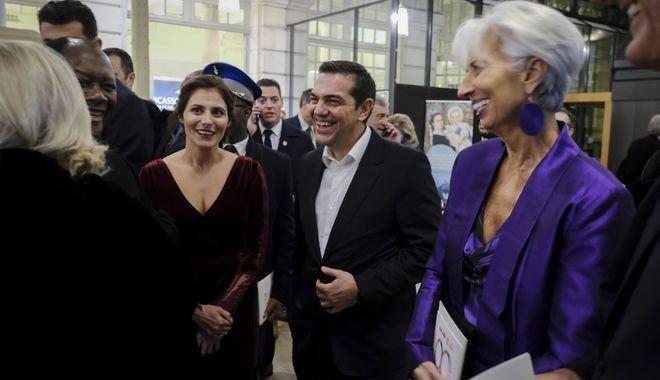 Ο Αλέξης Τσίπρας και η Μπέτυ Μπαζιάνα με την Κριστίν Λαγκάρντ στο δείπνο  της γαλλικής Προεδρίας