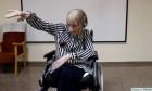 Πρώην μπαλαρίνα με Αλτσχάιμερ ακούει μουσική και θυμάται τη χορογραφία
