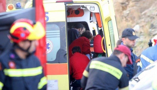 Οικογενειακή τραγωδία στην Κρήτη: Πολύνεκρο τροχαίο μετά από αρραβώνα