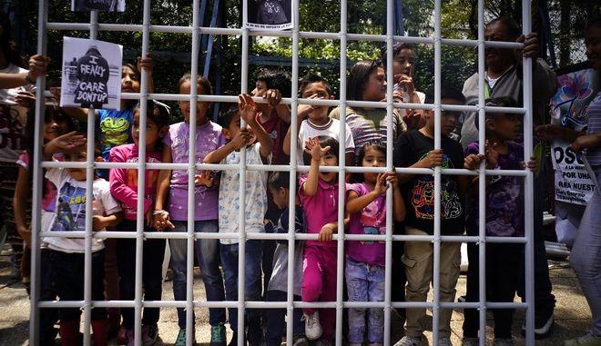 Η Βουλή των Αντιπροσώπων καταψήφισε ένα συμβιβαστικό νομοσχέδιο για τη μετανάστευση