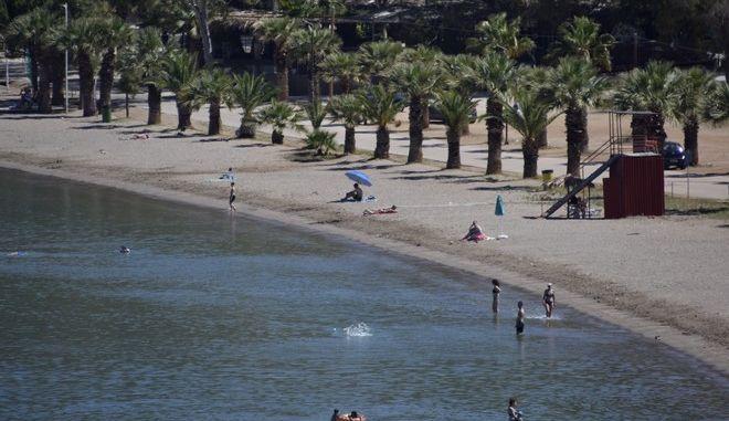 Η παραλία της Καραθώνας στην Αργολίδα