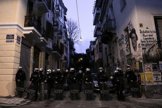 Επιχείρηση της αστυνομίας στα Εξάρχεια.