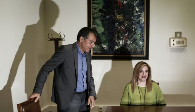 Meeting between the leader of the To Potami political party Stavros Theodorakis, with the leader of PASOK-Democratic Alliance, Fofi Genimata, in Athens, on March 31, 2016 /            -   , ,  31 , 2016