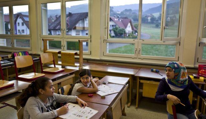 IΠροσφυγόπουλα σε γερμανικό σχολείο