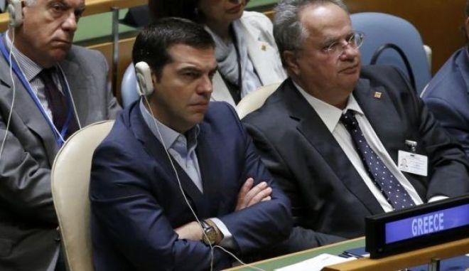 Με ανάκληση του Έλληνα πρέσβη στην Πράγα απαντά η Ελλάδα στις επιθέσεις της Τσεχίας